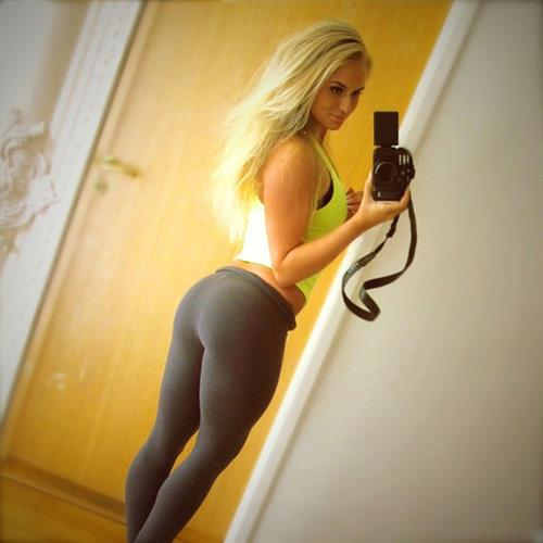 Anna Nyström in Yoga Pants taking a selfie and - ass