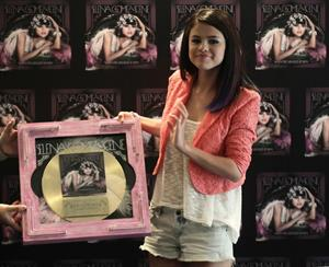 Selena Gomez at the 'We Own the Night' tour photocall in Mexico City on January 26, 2012