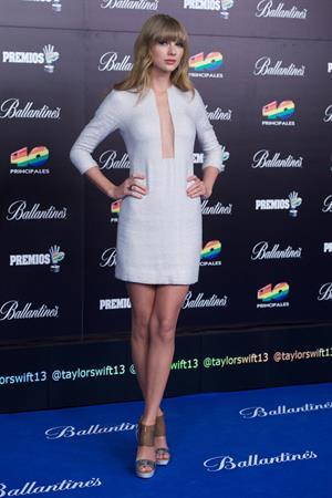 Taylor Swift Los Premios 40 Principales Awards in Madrid, January 24, 2013