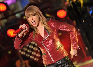 Taylor Swift Performs during New Year's Eve 2013 Times Square in New York Decemeber 31, 2012