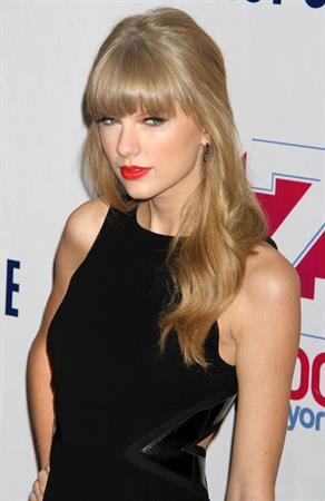 Taylor Swift Z100's Jingle Ball presented by Aeropostale 12/7/12