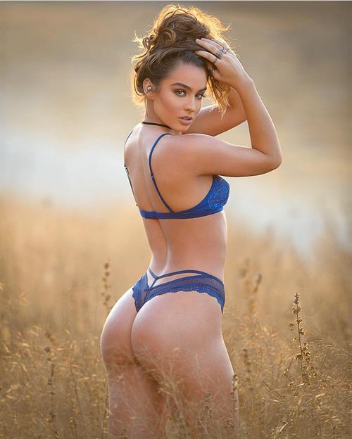 Sommer Ray in lingerie - ass