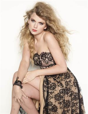 Taylor Swift Glamour Magazine November 2010