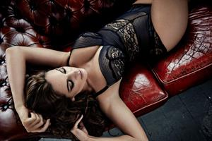 Kelly Brook : New Look Lingerie Photo Shoot