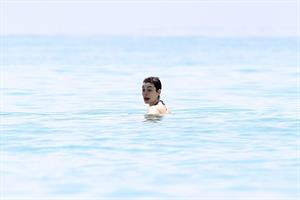Anne Hathaway on a Beach in Miami 11 05 12