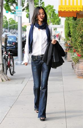 Zoe Saldana at IV Karats in Beverly Hills February 15 2011