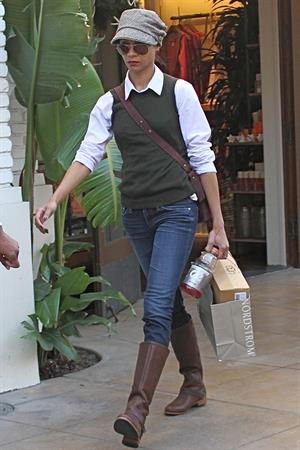 Zoe Saldana shopping at Nordstrom at The Grove in Los Angeles, CA, USA on December 24, 2011