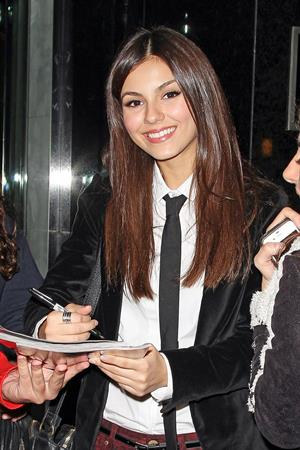 Victoria Justice leaving hotel headed to Late Night with Jimmy Fallon 10/23/12