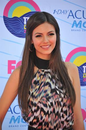 Victoria Justice - 2012 Teen Choice Awards in Universal City (July 22, 2012)