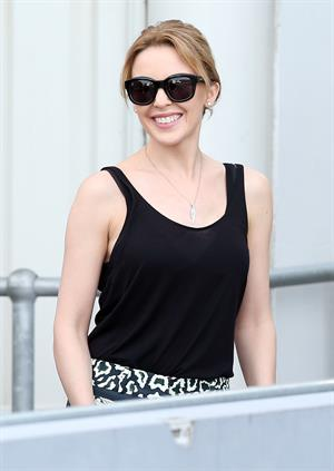 Kylie Minogue Arrives in Sydney 29.12.12