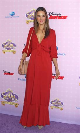 Alessandra Ambrosio 2012-11-10 - Los Angeles Premiere of Sof