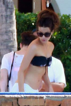 Kate Beckinsale wearing a bikini on vacation in Mexico August 21, 2013