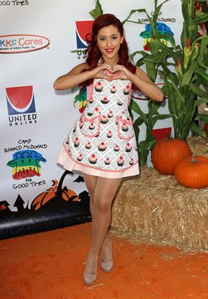 Ariana Grande Universal Hallowen Carnival on October 24, 2011