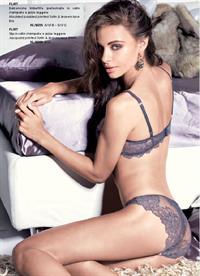 Nicole Meyer in lingerie