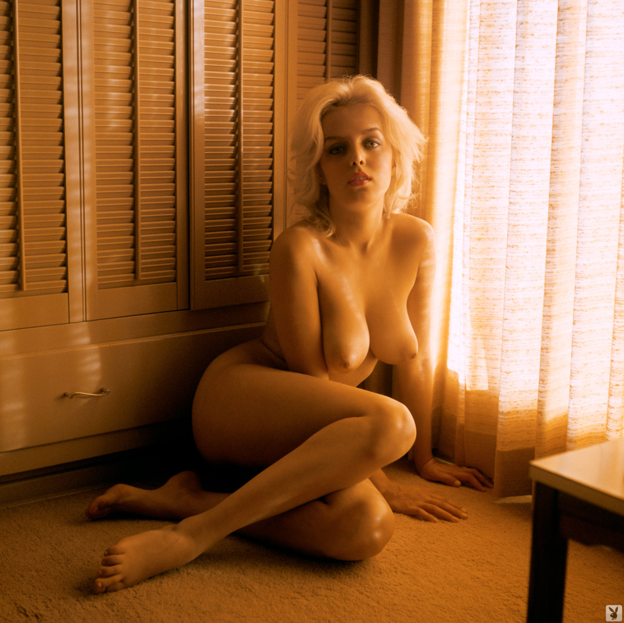 Linda nude caeter 9
