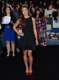Alex Morgan video Breaking Dawn 2 premiere in LA 11/12/12