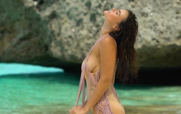 Myla Dalbesio at the Beach