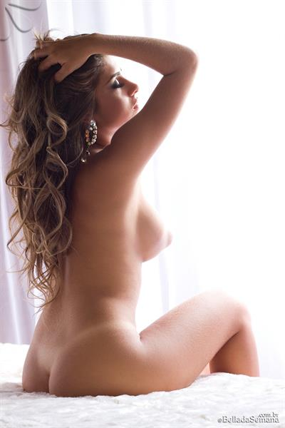 Paula Rebello Nude - 4 Pictures Rating 90410-4815