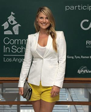 Ali Larter communities in schools celebrates school life fundraiser in Los Angeles on June 15, 2011