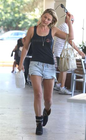 Ali Larter running some errands in Los Angeles on August 13, 2012