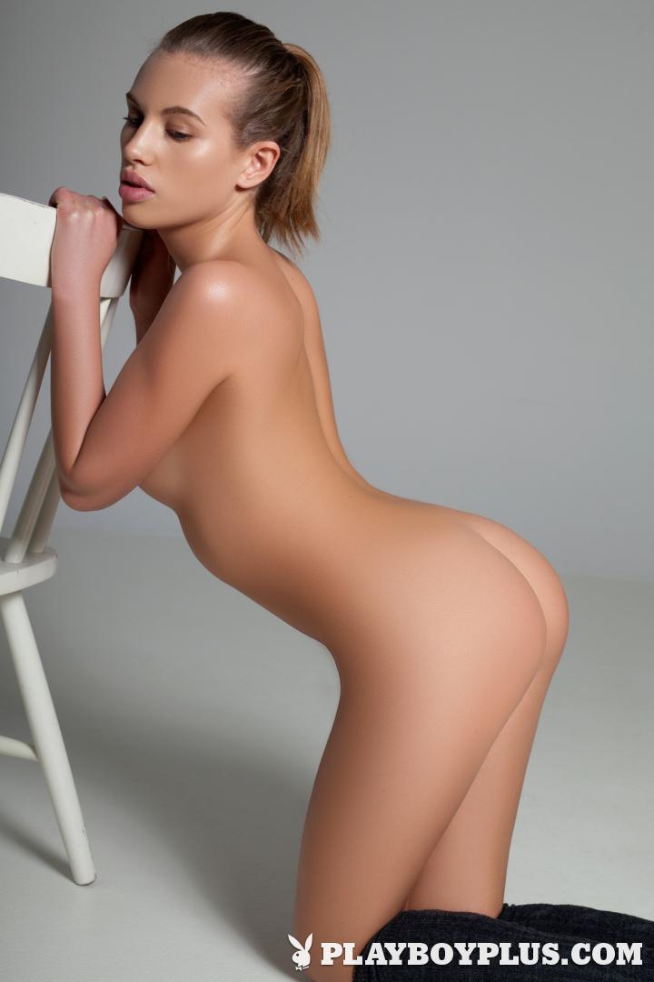 Boy see nude girl-1476