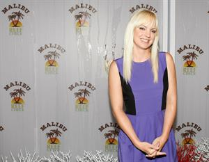 Anna Faris at the Malibu and Reef Check Partnership Summer Pool Party at Malibu Reef Check Estate