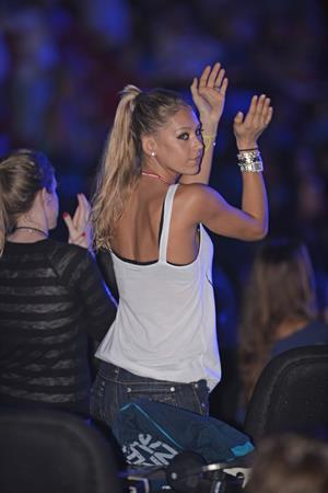 Anna Kournikova at Enrique Iglesias concert in Miami August 31 2012