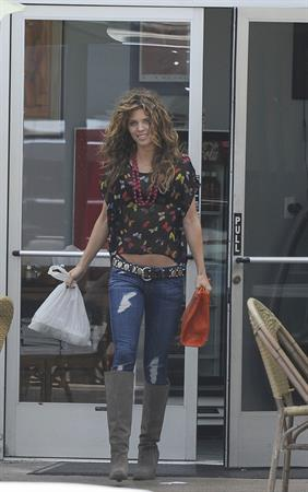 AnnaLynne McCord out for breakfast in Santa Monica 10/5/12