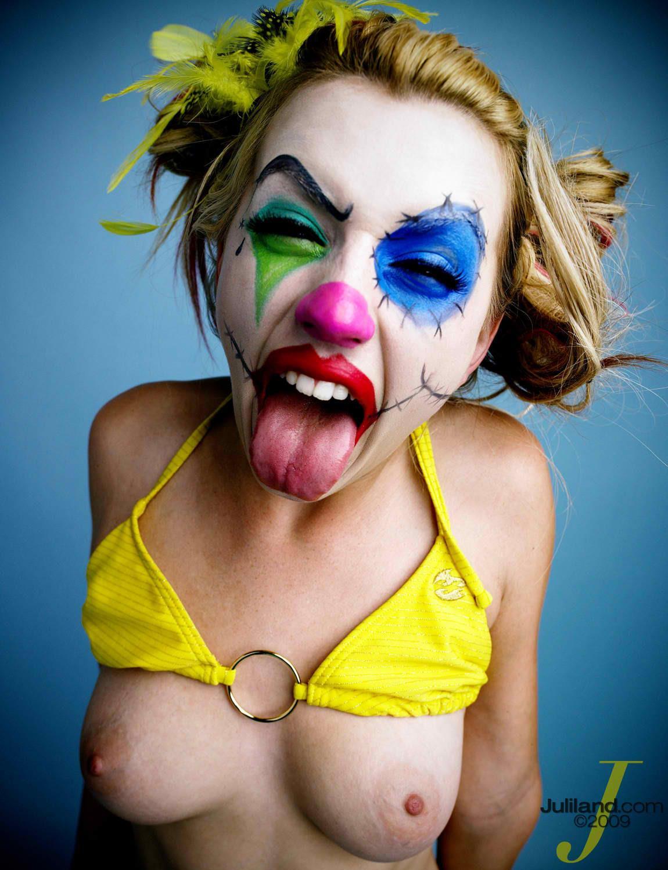 сочные краски лекси белл клоун фото кажется