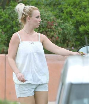 Britney Spears visits a Halloween store in Calabasas 10/7/12