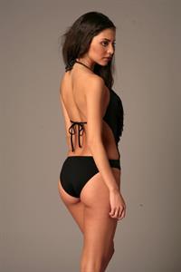 Mayra Suárez in a bikini - ass