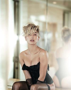 Hailey Baldwin Named World's Sexiest Woman