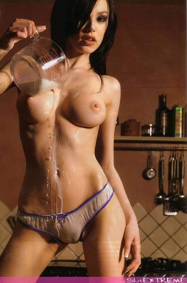Nude vikki blows Only A