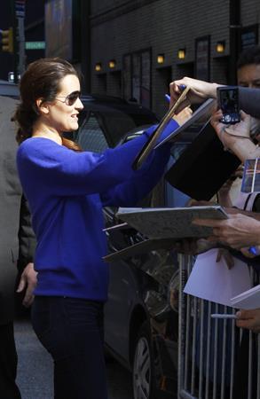 Cote De Pablo outside the Ed Sullivan Theater for Letterman on April 25, 2011
