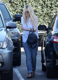 Dakota Fanning leaving Casa Vega in Studio City (24.08.2012)