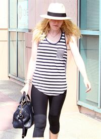 Dakota Fanning - 2012-08-17 - Leaving a dance class in Studio City