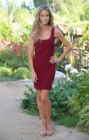 Denise Richards Denise Richards poses before heading out to the ABC family show in Los Angeles May 22, 2013