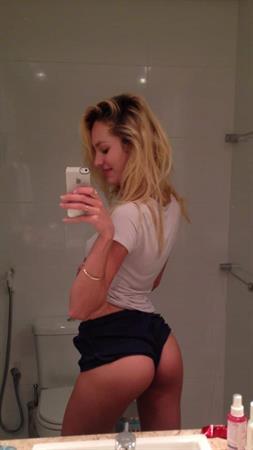 Candice Swanepoel leaked iCloud nudes
