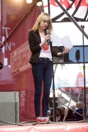 Emma Stone Revlon Run/Walk For Women in New York City - May 4, 2013