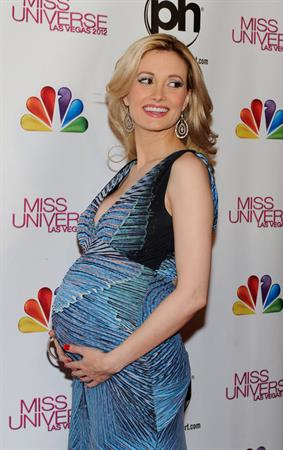 Holly Madison arrives at The 2012 Miss Universe Pageant in Las Vegas on December 19, 2012