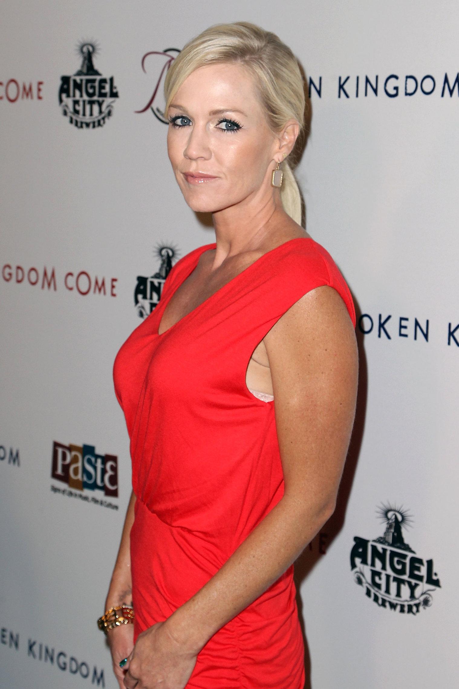 Jennie Garth  Kingdom Come  - Los Angeles Premiere (Oct 2, 2012)