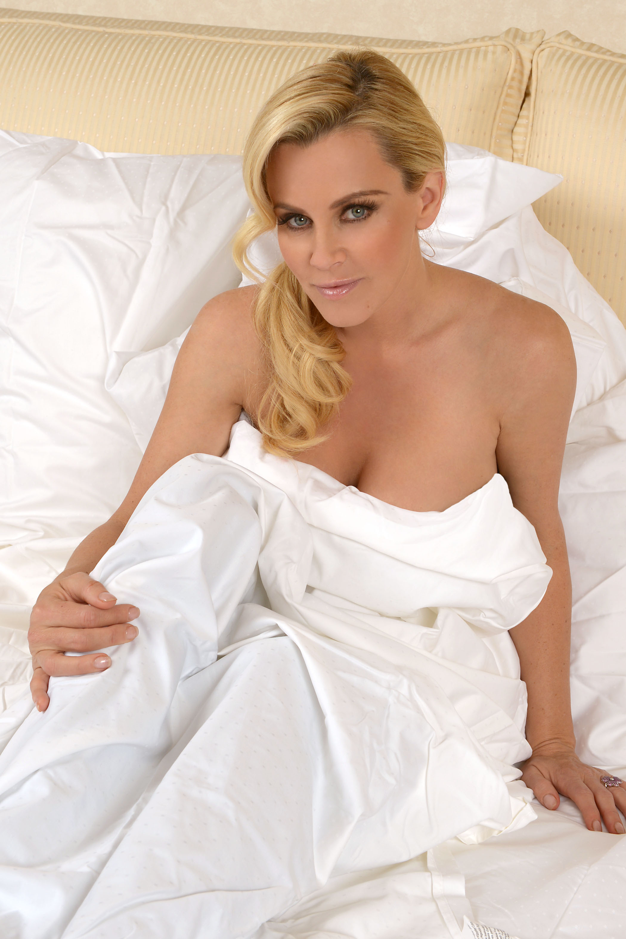 Jenny Mccarthy Porn Video jenny mccarthy in the christmas spirit photshootmichael