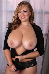Sara Willis - breasts