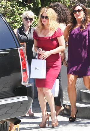 Jessica Simpson leaving a restaurant in Hollywood