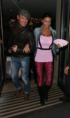 Katie Price Leaving dinner with friends at the Mayfair Restaurant in Los Angeles (November 14, 2012)