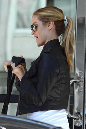 Kristin Cavallari Leaves Los Angeles International Airport (04.02.2013)