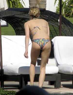 Kristin Cavallari vacationing in Mexico - April 7, 2013