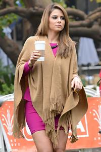Maria Menounos 6 Poses on the set of Extra in LA 05.02.13