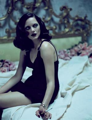 Marion Cotillard - Mert Alas & Marcus Piggott Photoshoot 2010 For Vogue