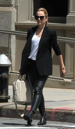 Mena Suvari - Spotted in tight leather pants in New York City on May 16, 2013